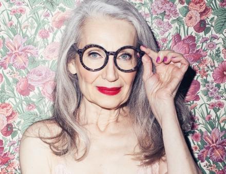 grey-hair-floral-wallpaper-tanyac6b37e470f20f6006939ae9fcc92940
